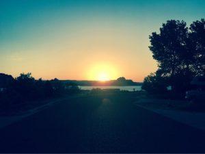 レイクパウェルの朝日