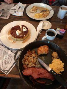 Cockett's Breakfast Campのブランチ