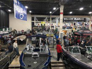 ミシガン州フィッシングショーボート展示