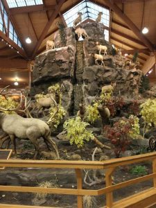 カベーラ鹿の像