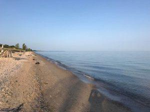 ヒューロン湖沿いの散歩